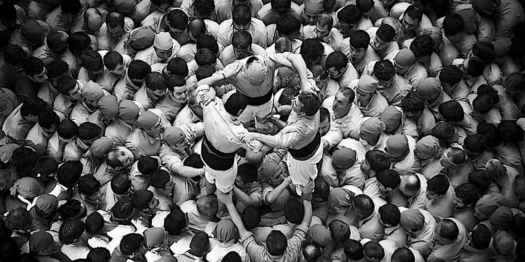 The sky of human towers